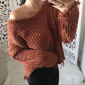 Sweaters - 🆕 Destructed Velvet Yarn Sweater Crop